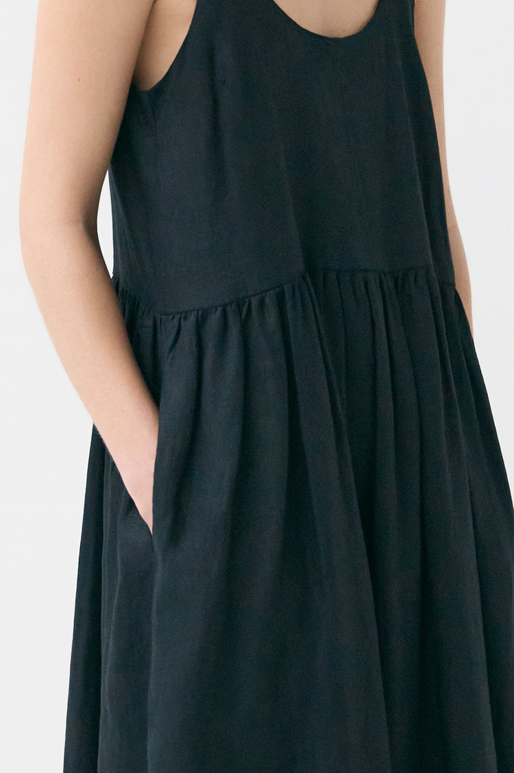 Marie Linen Pleat Back Sundress in Black