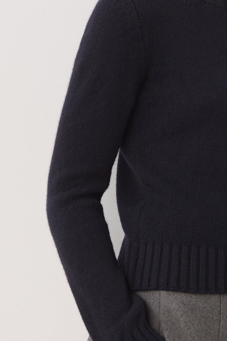 Daphne Cropped Lambswool Crewneck in Navy