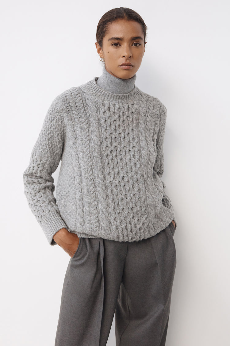 Ina Geelong Aran Crewneck in Flannel Grey