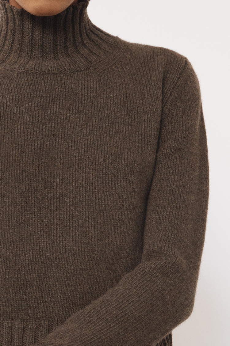 Audrey Cropped Lambswool High Neck in Acorn