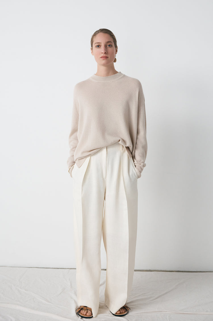 Elspeth Slouch Cashmere Crewneck in Beige