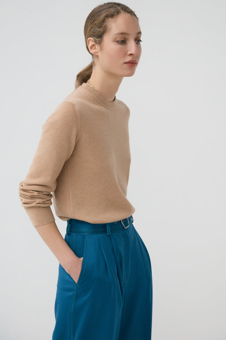 New In! Innes Classic Cashmere Crewneck in Camel