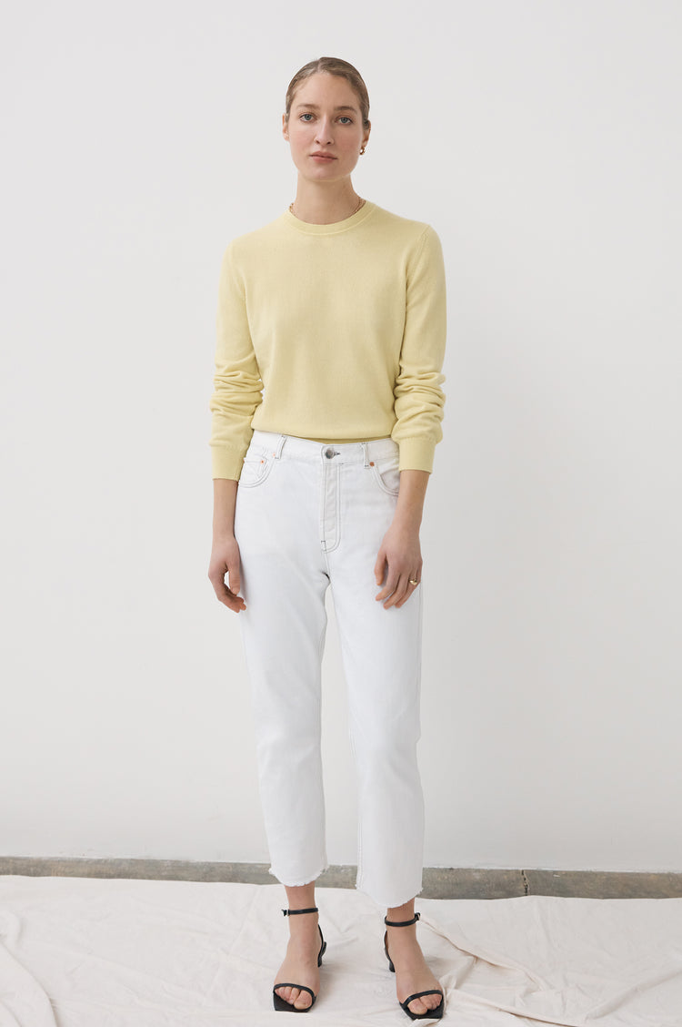 Innes Classic Cashmere Crewneck in Lemon Yellow