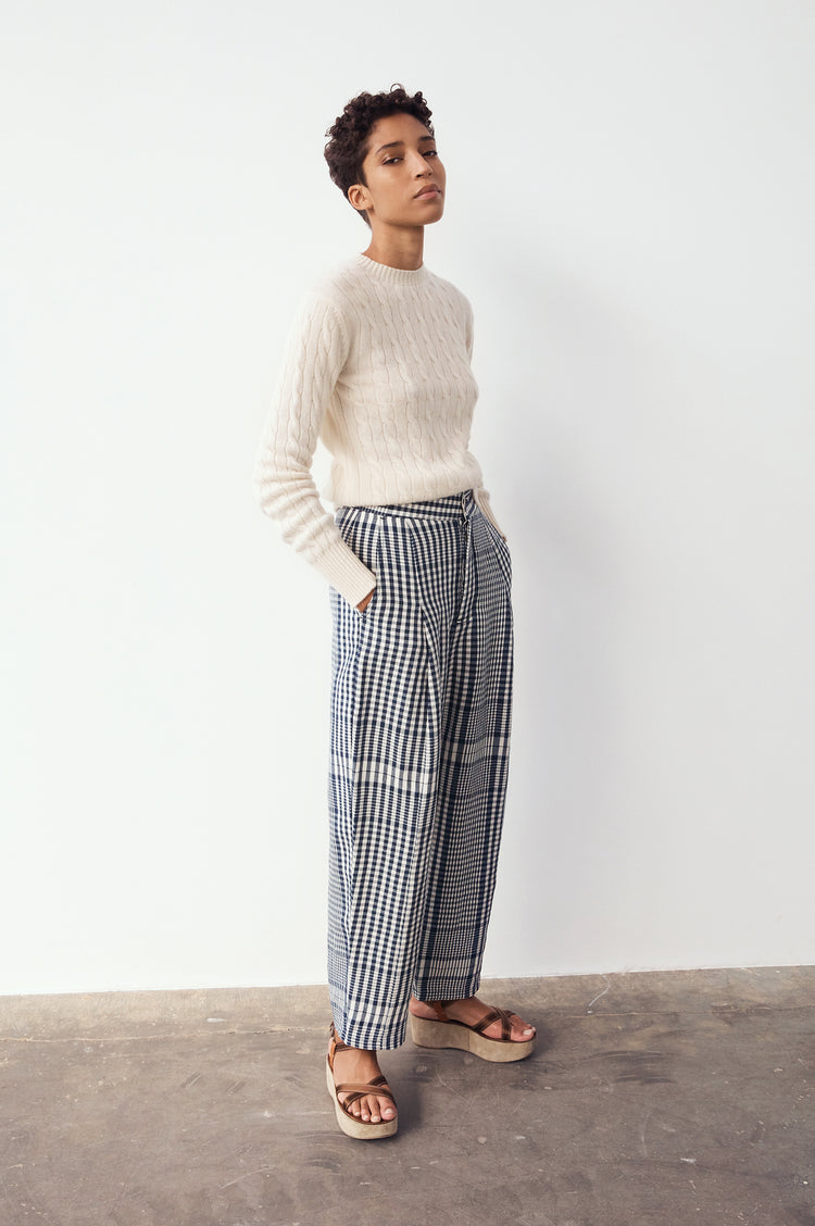Nora Cashmere Cable Crewneck in Ecru