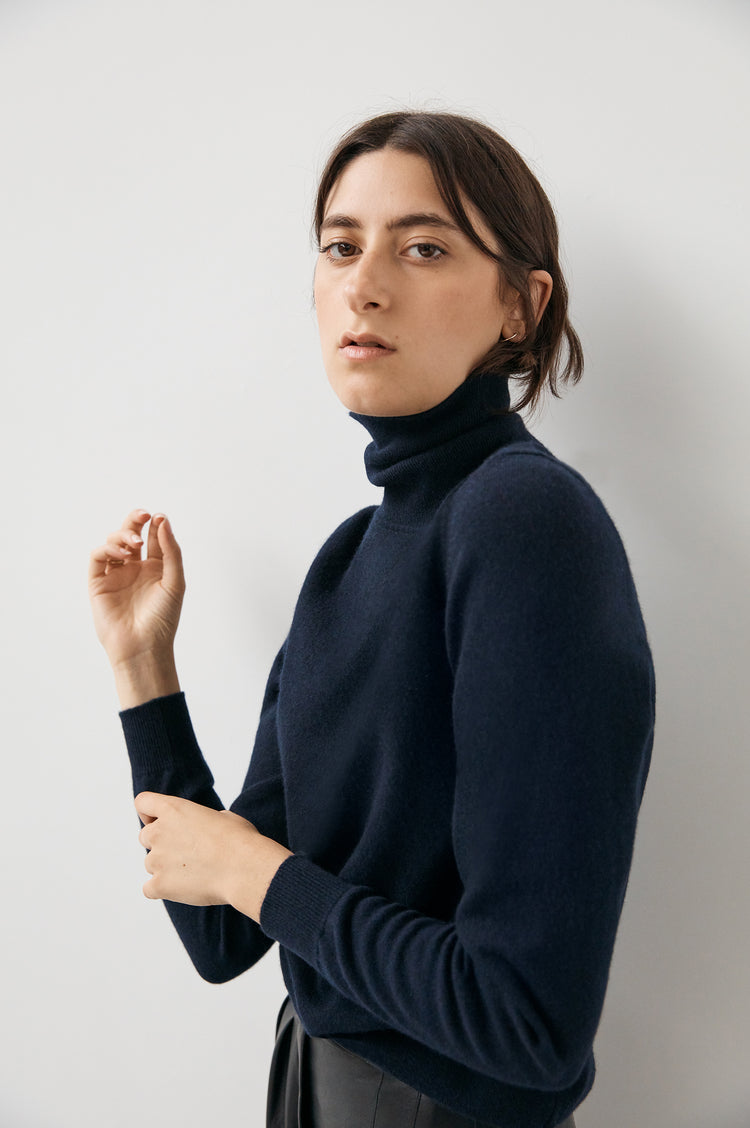 Casla Cashmere Roll Neck in Navy
