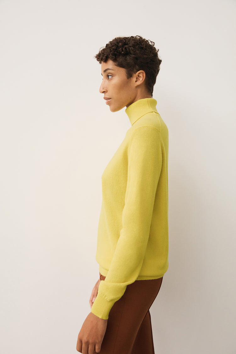Casla Cashmere Roll Neck in Yellow