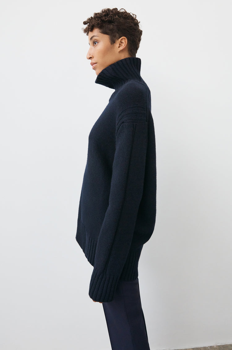 Fintra Lambswool Tunic Knit in Navy