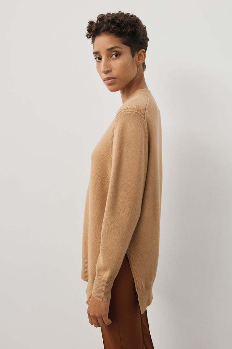 Banba Slouch Crew Neck in Camel