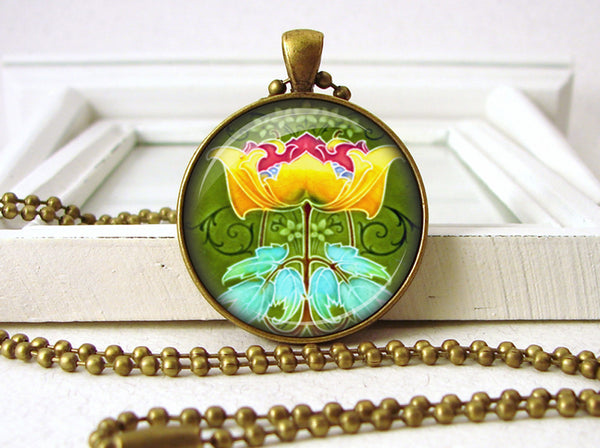 Art Deco Art Nouveau Yellow Red Flower Jewelry Necklace Pendant close up