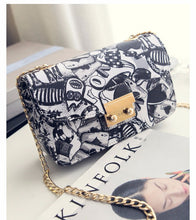 Load image into Gallery viewer, LOVE Chain Handbag