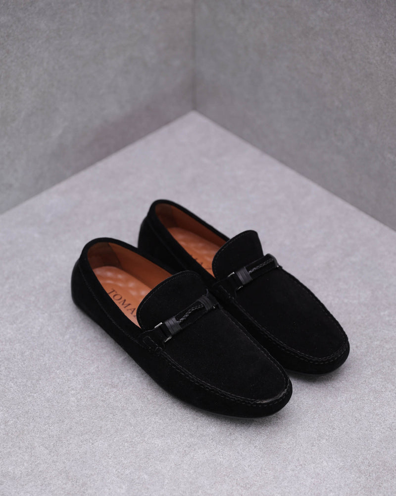Load image into Gallery viewer, Tomaz C412 Buckle Moccasins (Black)