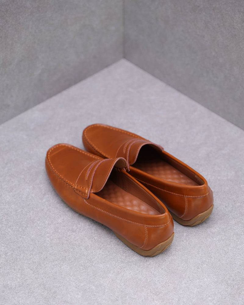Load image into Gallery viewer, Tomaz C408 Penny Loafers (Brown)