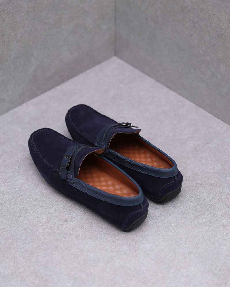 Load image into Gallery viewer, Tomaz C448 Buckle Suede Moccasins (Navy)
