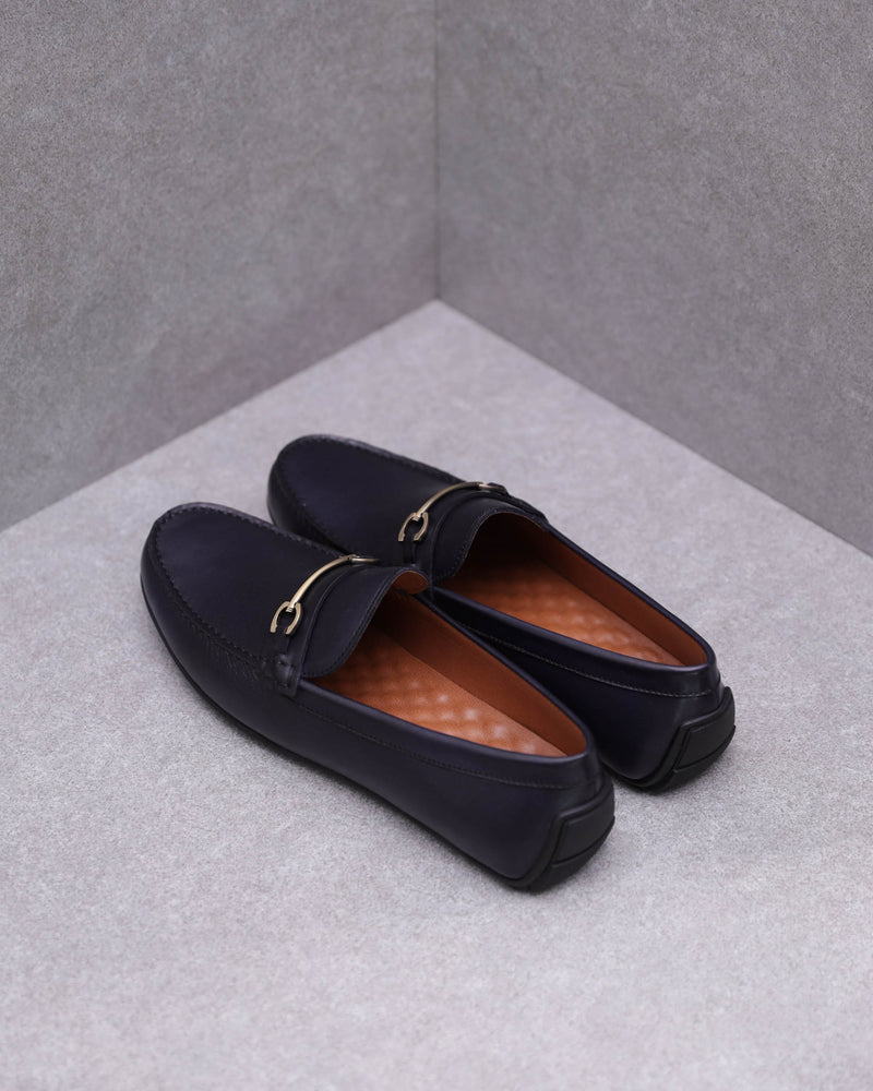Load image into Gallery viewer, Tomaz BF478 Metal Buckle Moccasins (Navy)