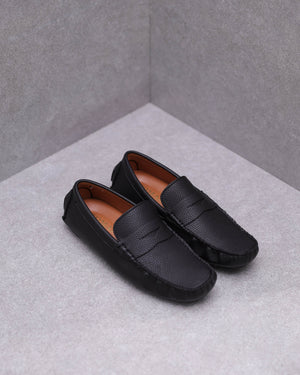 Load image into Gallery viewer, Tomaz C431 Penny Moccasins (Black)