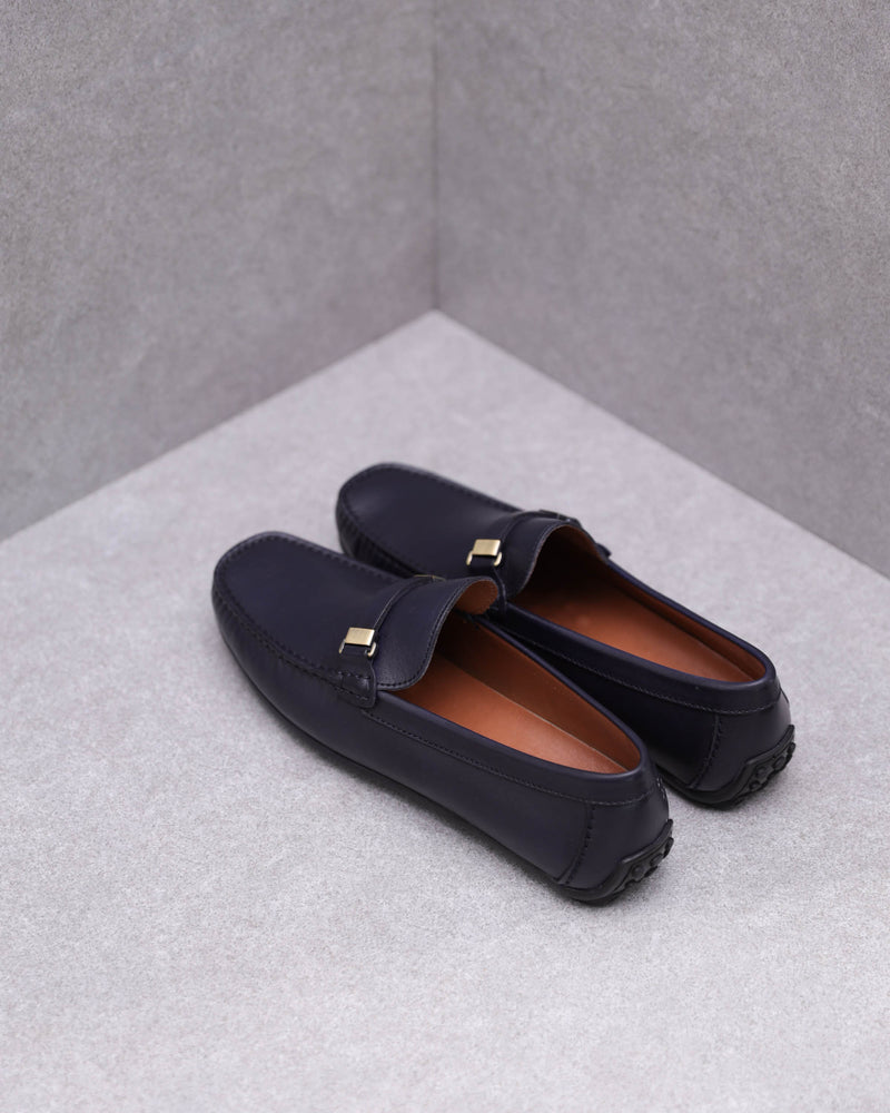Load image into Gallery viewer, Tomaz C362 Front Buckled Loafers (Navy)