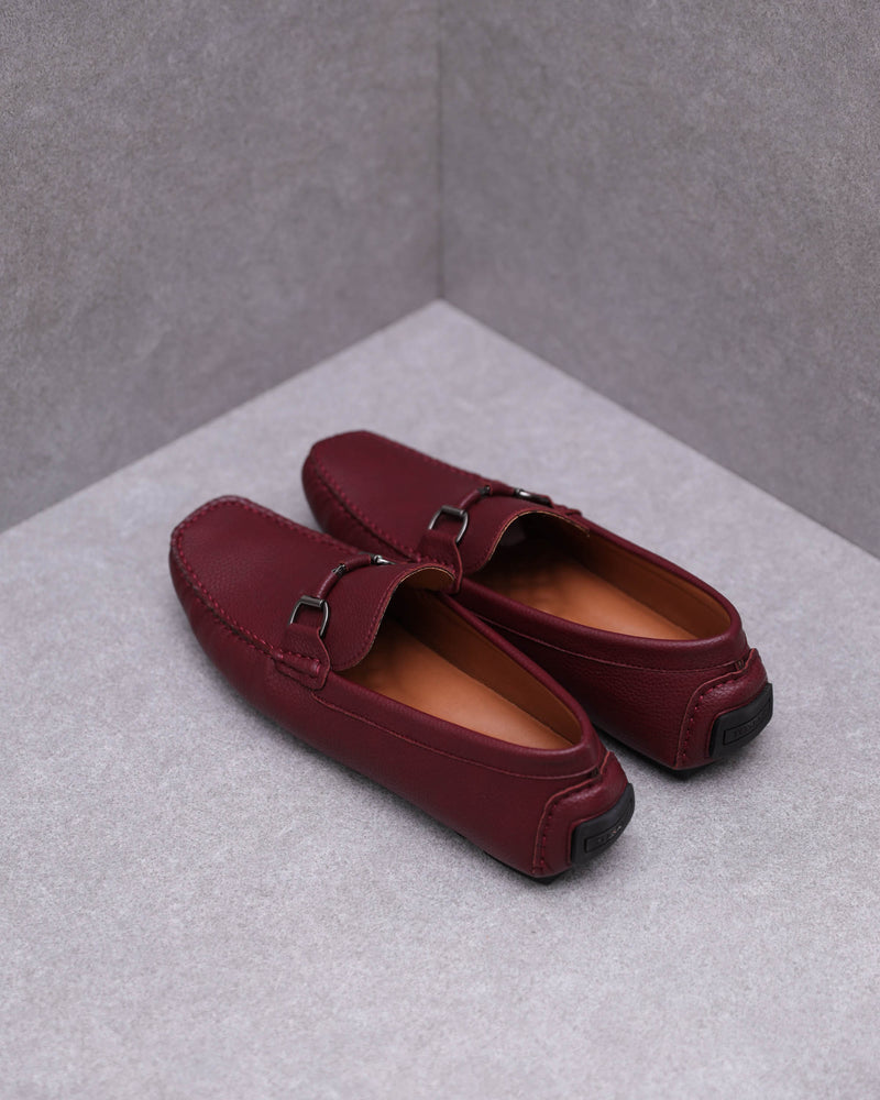 Load image into Gallery viewer, Tomaz C446 Buckle Moccasins (Wine)