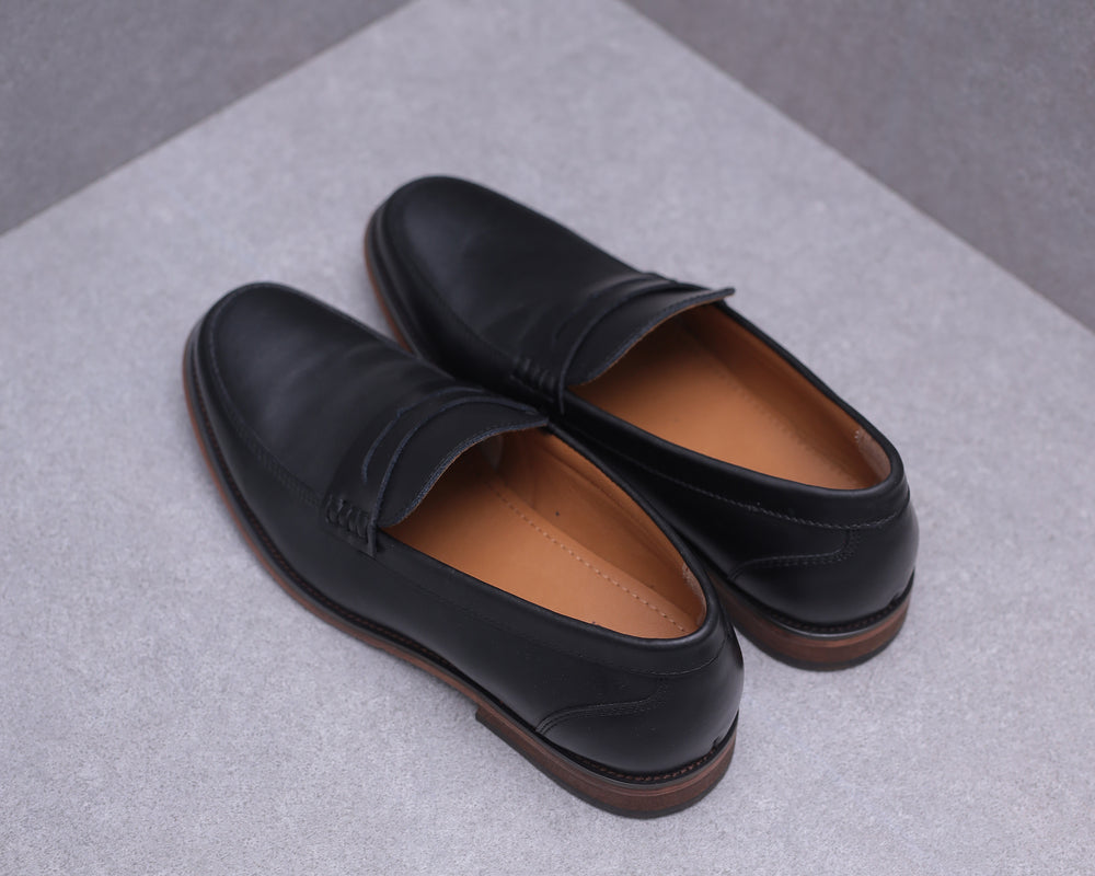 Load image into Gallery viewer, Tomaz F213 Penny Loafers (Black)