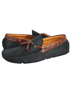 Load image into Gallery viewer, Tomaz C372 Tassel Moccasins (Black)