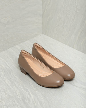 Load image into Gallery viewer, Tomaz 9E10 Ladies Block Heels (Taupe)