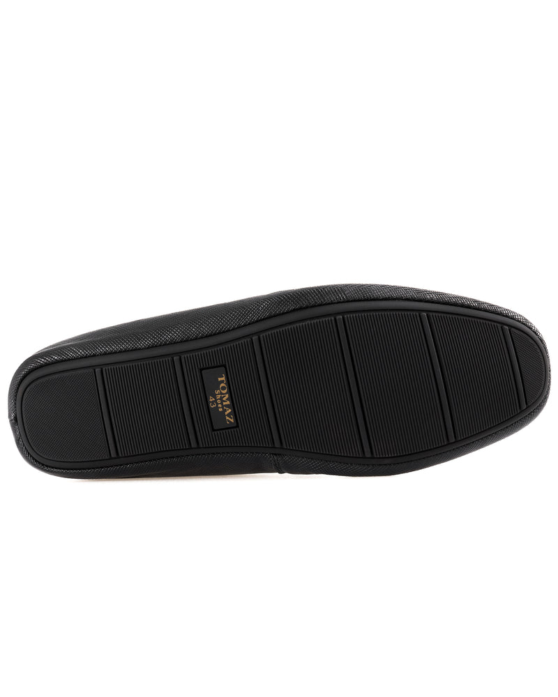 Load image into Gallery viewer, Tomaz C453 Slip On Moccasins (Black)