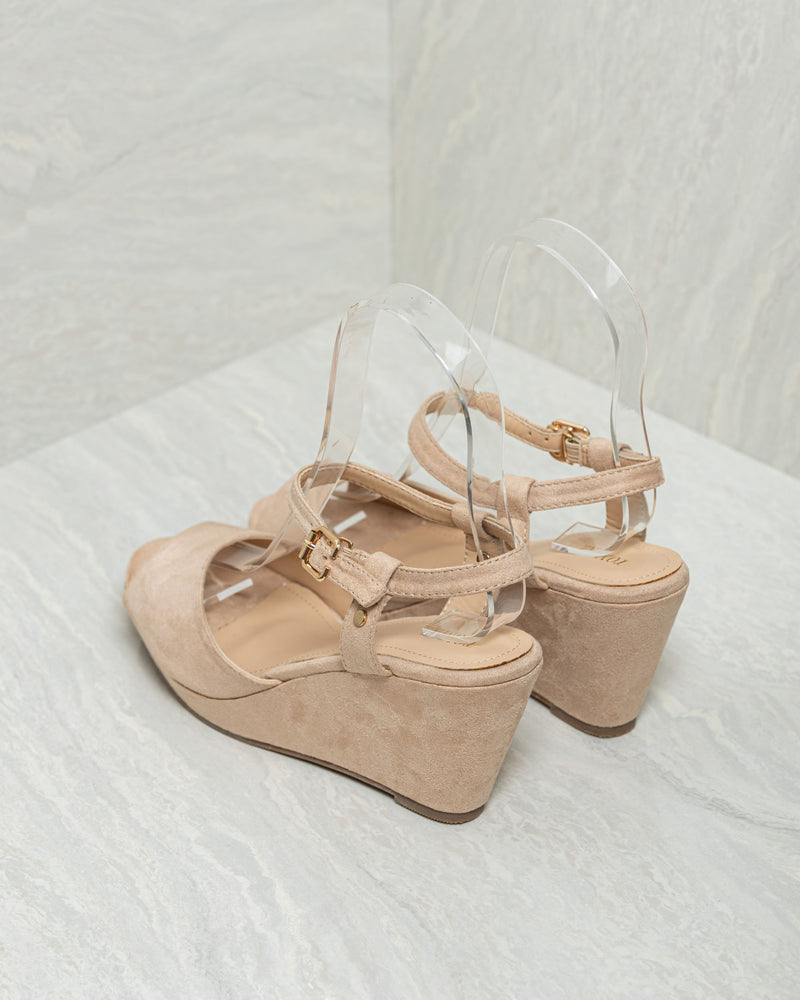 Load image into Gallery viewer, Tomaz CW7 Ladies Platform Heels (Beige)