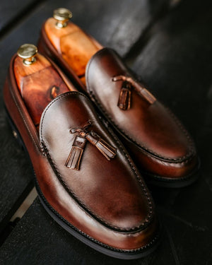 Load image into Gallery viewer, Tomaz F251 Tassel Loafers (Coffee) (4478705533024)