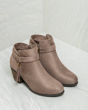 Load image into Gallery viewer, Tomaz JSB27 Ankle Boots (Light Taupe)