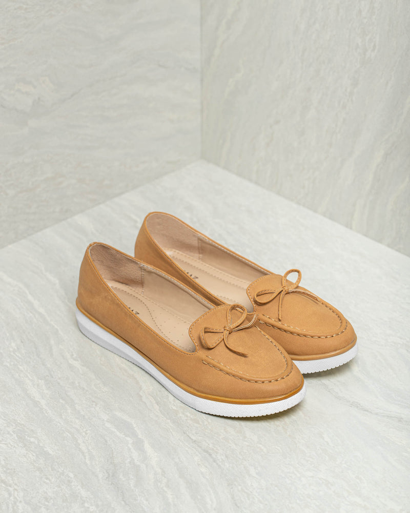 Tomaz LY24 Ladies Bow Loafers (Camel)