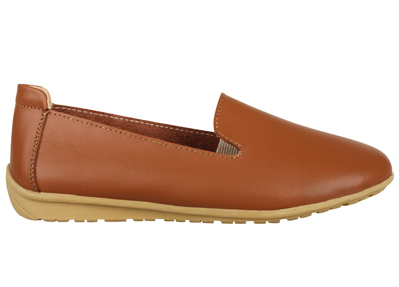 Tomaz LYP43 Ladies Whole Cut Slip Ons (Brown)