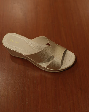 Load image into Gallery viewer, Tomaz L082 Ladies Platform Sandals (Cream)