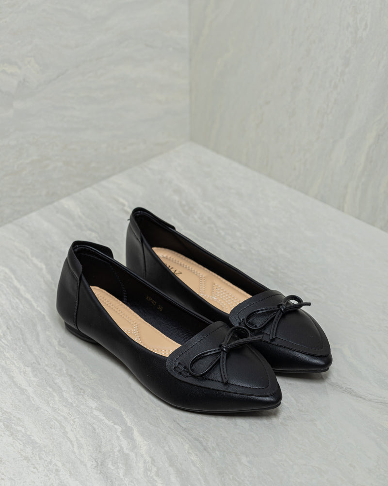 Tomaz XP40 Ladies Bow Pointed Flats (Black)