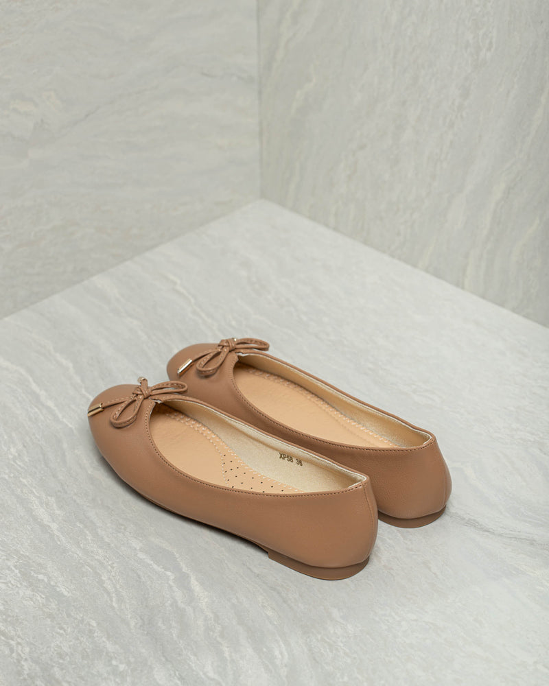 Load image into Gallery viewer, Tomaz XP58 Ladies Bow Flats (Camel)