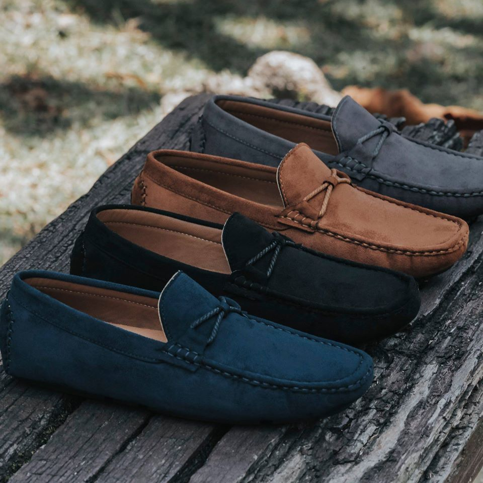 Load image into Gallery viewer, Tomaz C228A Bow Slip On (Navy) (336706011165)