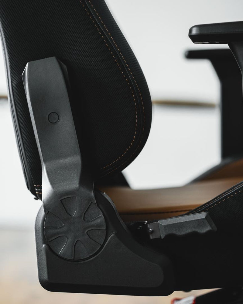Load image into Gallery viewer, Tomaz Vex Gaming Chair (Brown)