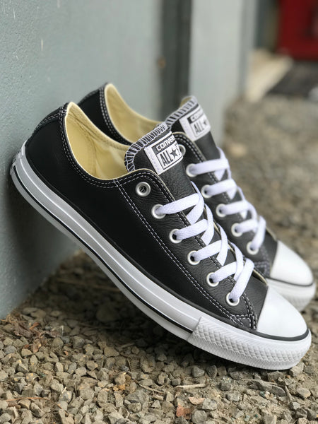 Chuck Taylor Lo (Leather) - Black/White