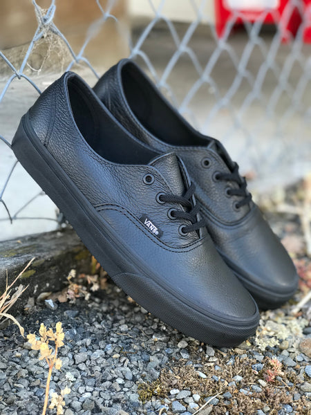Authentic Decon (Premium Leather) - Black/Black