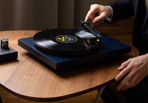 Pro-Ject Debut Carbon EVO | New to Debut