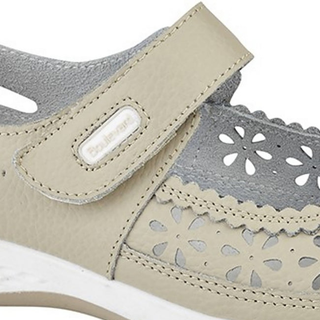 Light Grey - Front - Boulevard Womens-Ladies Wide Fitting Window Back Punched Bar Shoes
