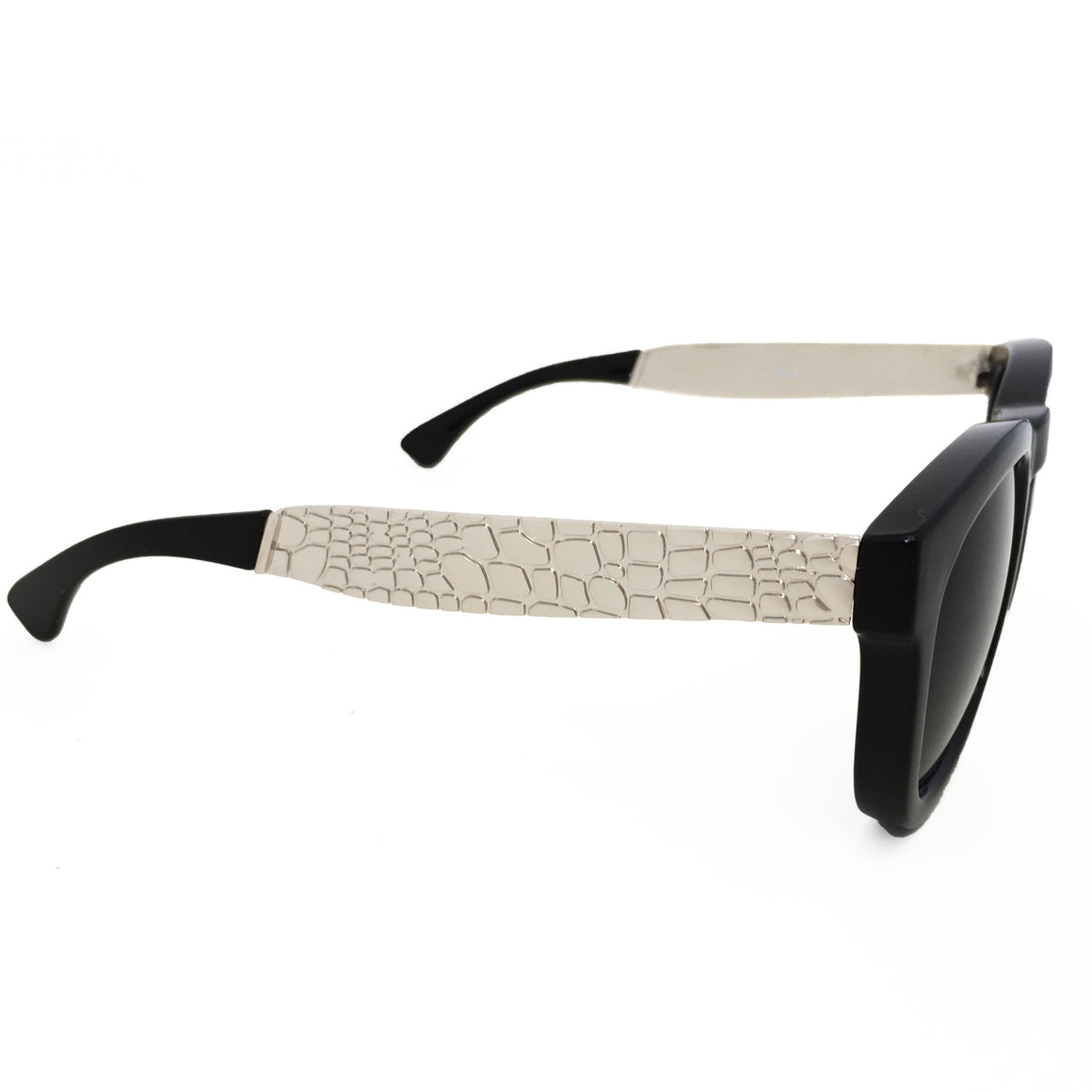 Made For Shade Sunglasses In Silver