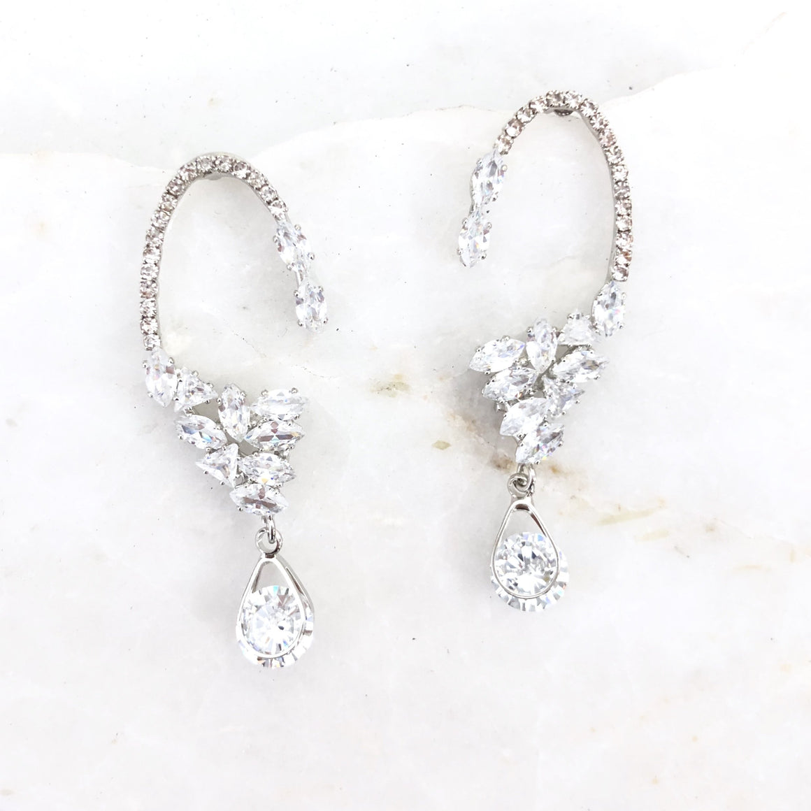 Elegant Chic Crystal Silver Earrings