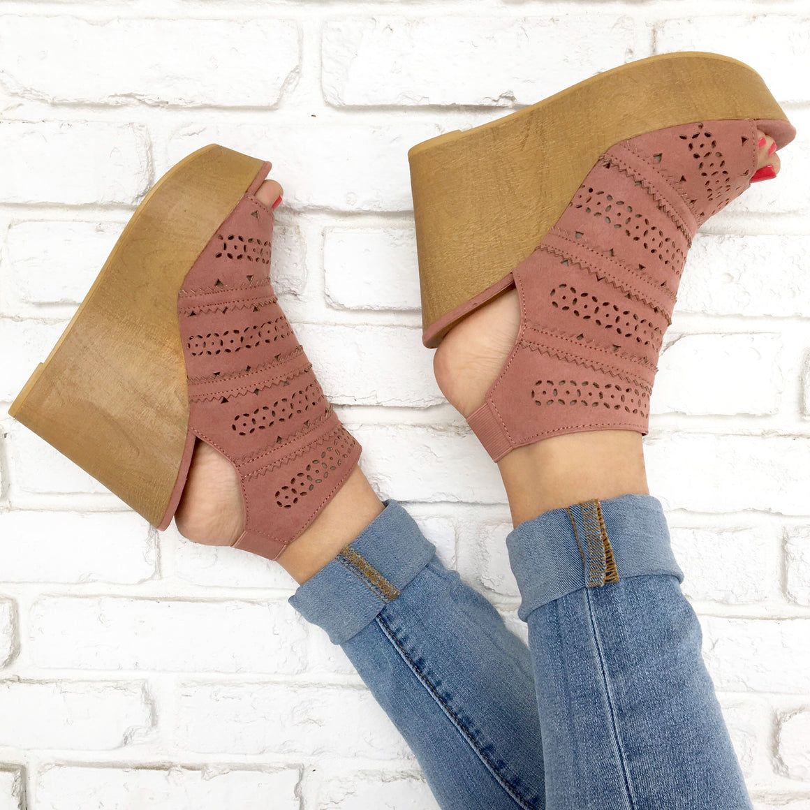 Cora Lasercut Wedges in Mauve