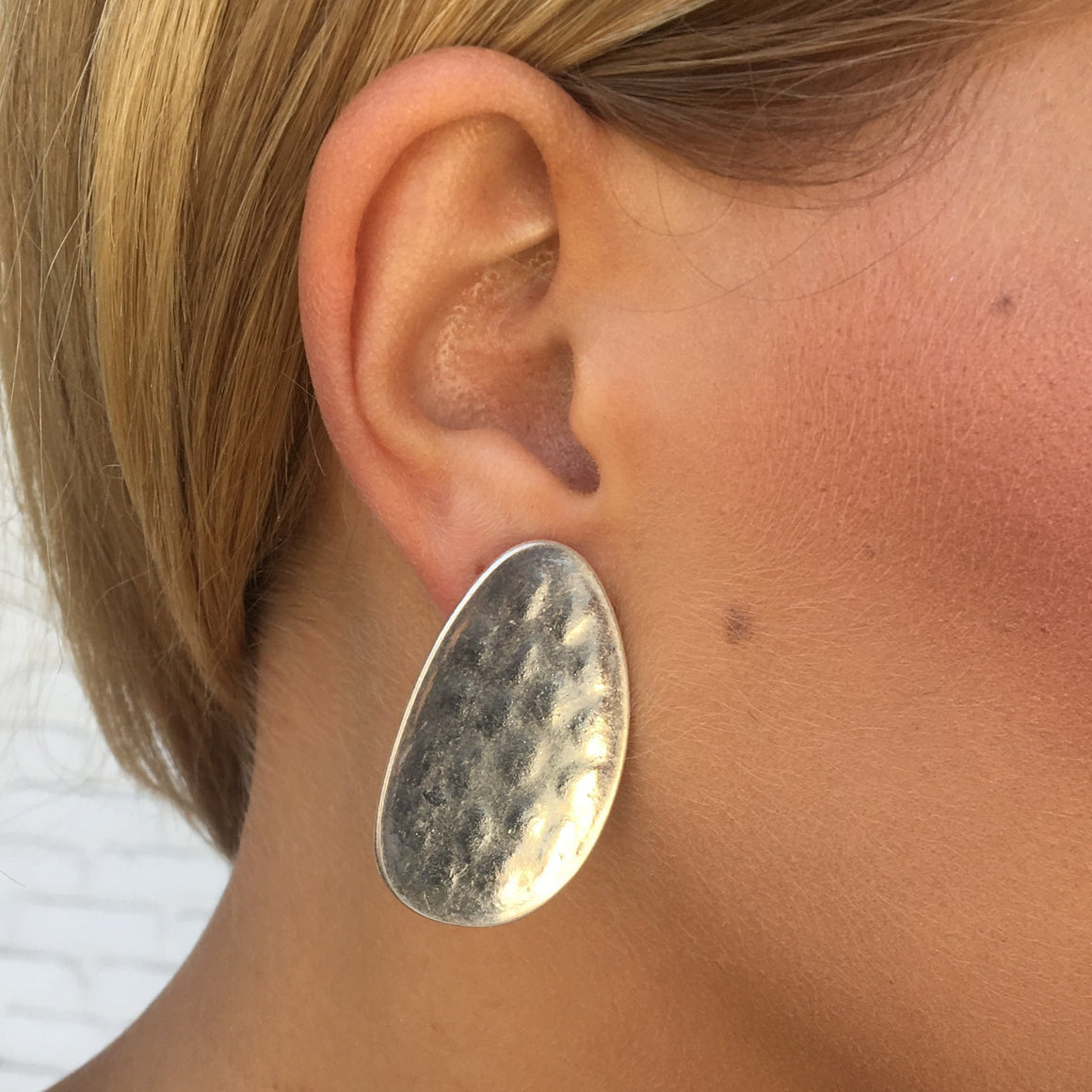 Rosely Hammered Plate Earrings in Silver - Dainty Hooligan