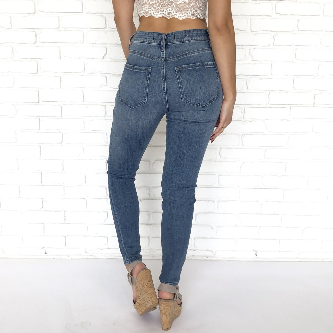 Bella Super High Waist Skinny Ankle Jeans