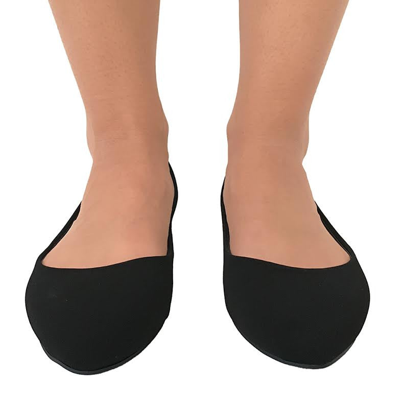 Classic Pointy Toe Slip On Flats in Black