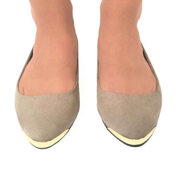 Stroll In The Park Flats In Nude