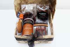 Premium Hot Chocolate & Milk Chocolate Spoons Gift Hamper | Gift for Dad | The Gift Loft (NZ)
