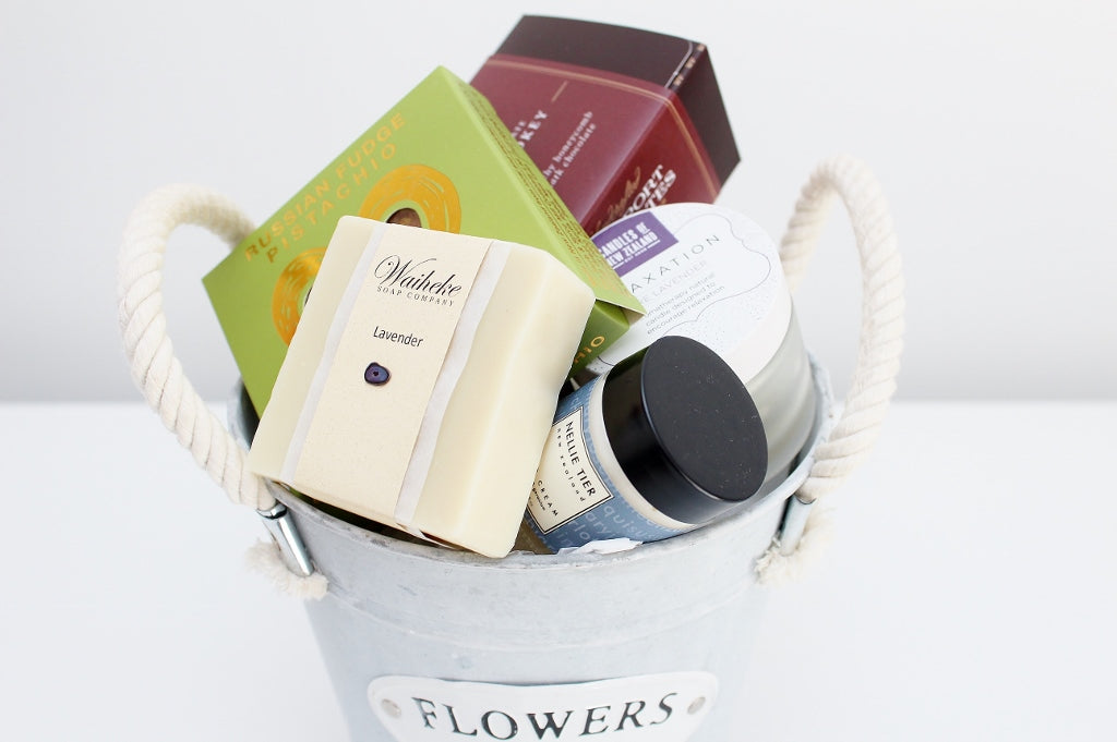"""Flower & Garden"" Pot & Pamper Hamper 