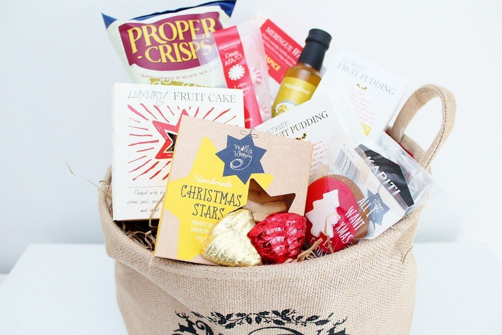 Christmas Gourmet Food Hamper with Christmas Cake | Family Gift Idea | The Gift Loft (NZ)