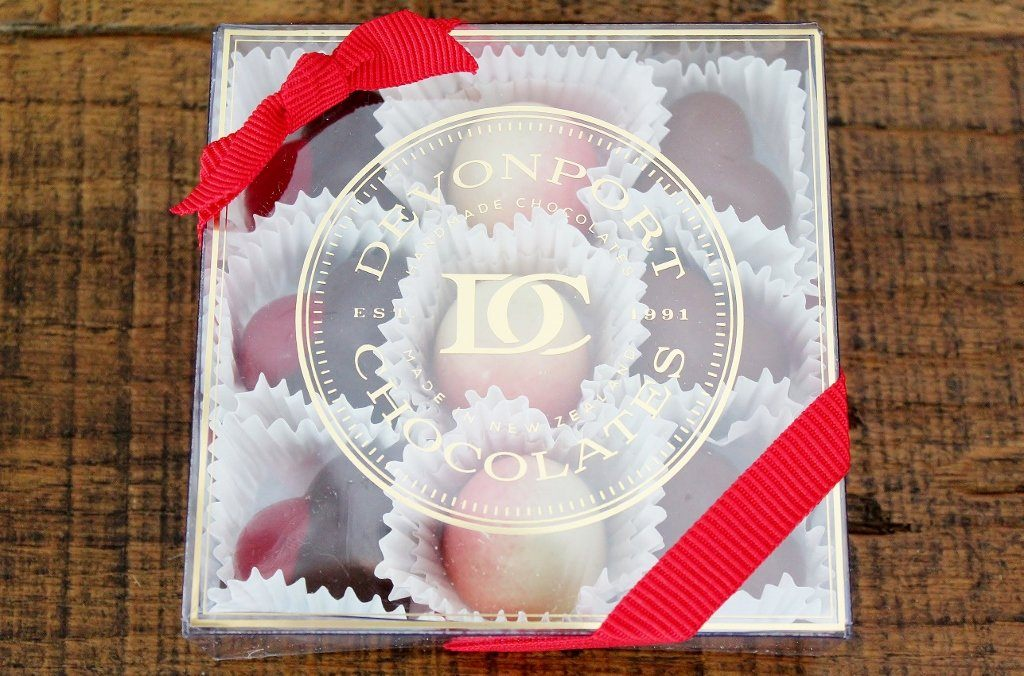 Valentine's Assortment of Nine Chocolates | The Gift Loft (NZ)